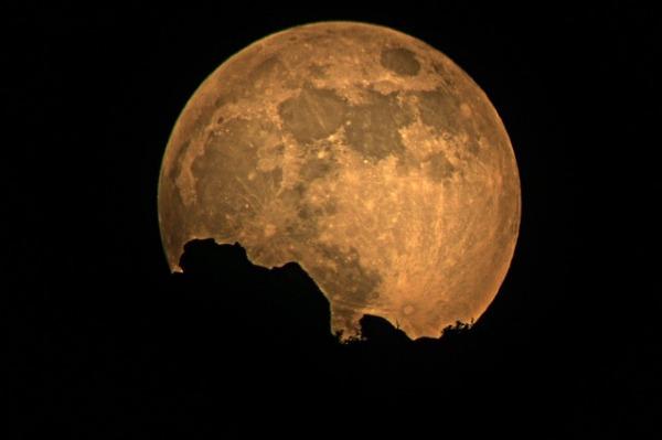 full-moon-948812_640